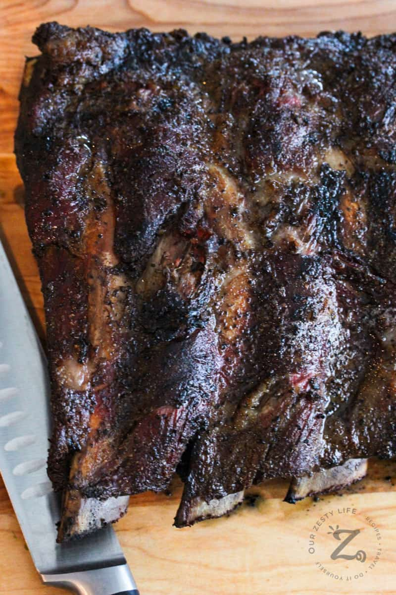 Smoked Beef Ribs with knife