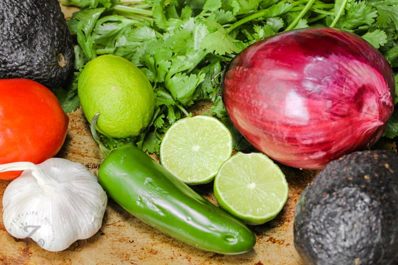 ingredients to make Guacamole with Tomatoes