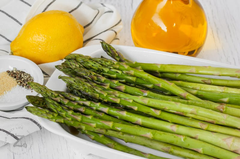 ingredients to make Oven Roasted Asparagus